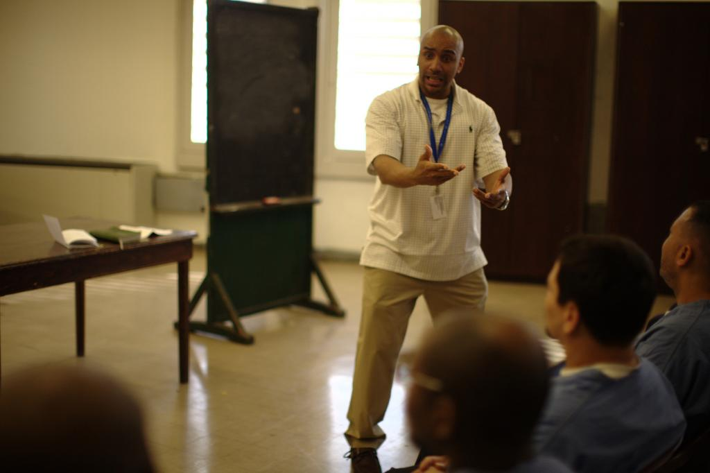 """<span class=""""photo-caption"""">Ron Muse is a peace worker who leads Bible study at the Philadelphia Detention Center; his work is supported by MCC.</span><span class=""""photo-credit"""">MCC Photo by Silas Crews</span>"""