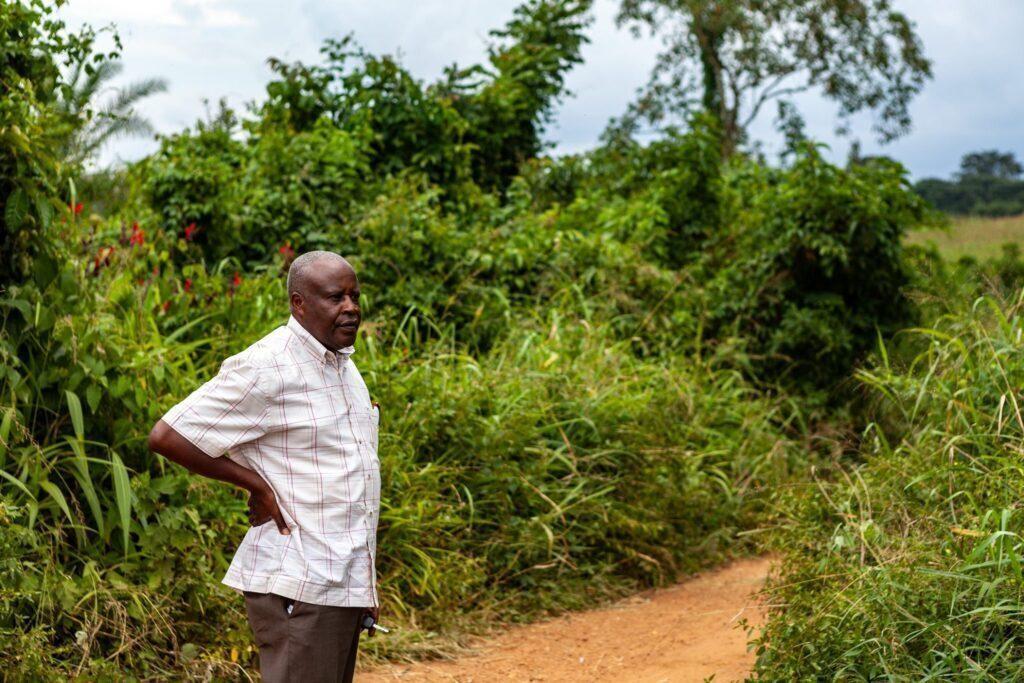 """<span class=""""photo-caption""""><a href=""""https://mcccanada.ca/stories/pourquoi-la-politique-besoin-de-lamentations"""">Pourquoi la politique a besoin de lamentations</a> - Emmanuel Katongole</span><span class=""""photo-credit"""">Crédit photo : Père Emmanuel Katongole</span>"""