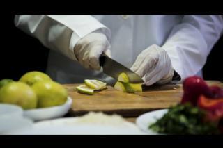 Trauma healing through food   Syria   Video