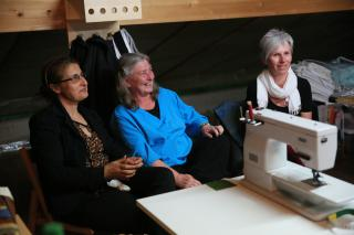 Swiss quilting groups donate handmade blankets to MCC relief work